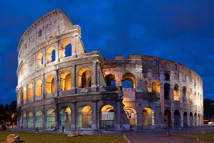 ColosseumNight2.jpg